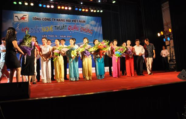 Company performance teams to participate in the mass cultural performancesVietnam Maritime Corporation and won three full-Union